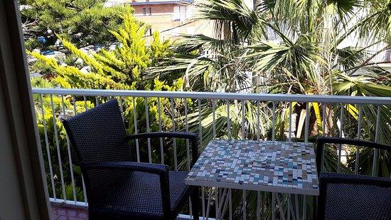 Hotel Los Globos: terrasse de notre chambre