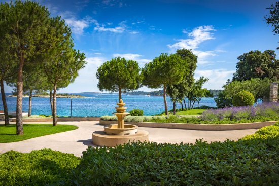 Island Hotel Istra : Garden