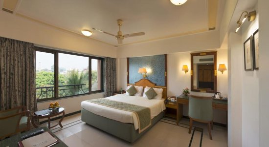 The International by Tunga: Deluxe Room