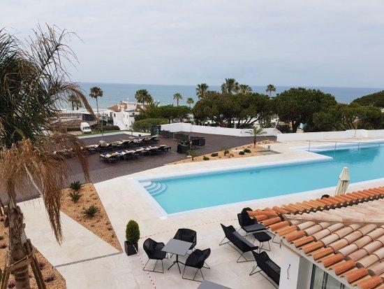 Vale do Lobo, Portekiz: Der Pool wurde am 27. Mai 17 fertig inkl. wunderschöner Sonnenterrasse.