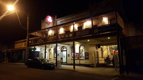 Rutherglen, Australia: Front of hotel