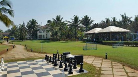 Royal Orchid Beach Resort & Spa, Goa: Huge open areas