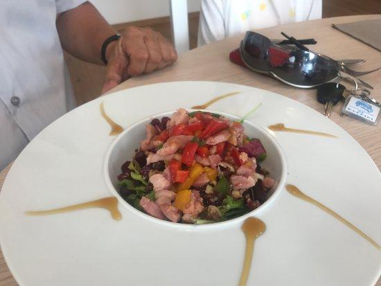 Chemille, France: Entrée salade de légumes de saison