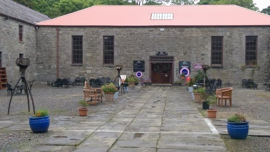 Lissadell House: The courtyard