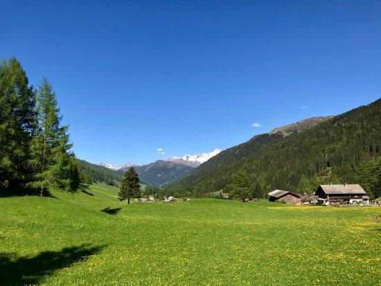 Obernberg am Brenner, Österreich: Blick ins Obernberger Tal Richtung Osten aus der Nähe des Parkplatzes