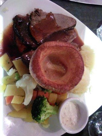 The Galleon Restaurant: Yummy trad roast