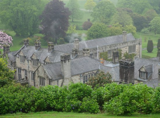 Cornwall Garden Tours: The house at Lanhydrock.