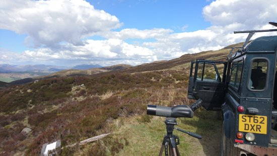 Aberfeldy, UK: Landrover and view over the mountains