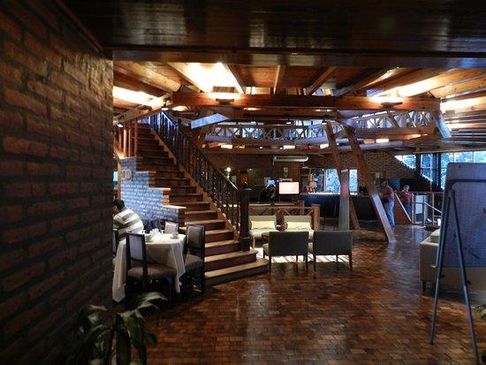 Portal del Lago Hotel: Hall del hotel
