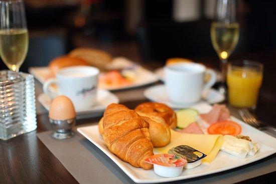 Heerlen, Países Baixos: Ontbijtbuffet