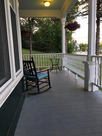 Center Harbor, NH: Lovely porch