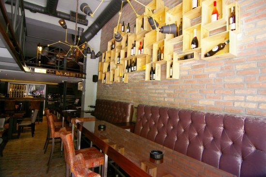 Il Grappolo Wine Bar