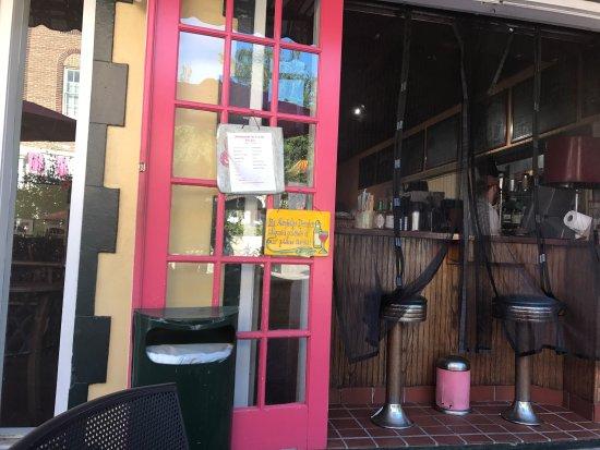 Ossorio Bakery & Cafe: photo0.jpg