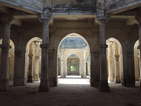 Uperkot Fort: Uparkot Fort (Inside Architecture)