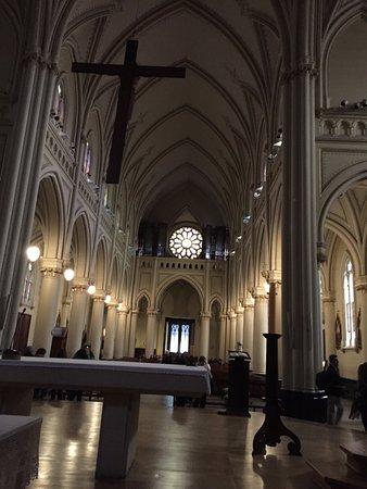 Catedral de San Isidro: nave central desde el altar