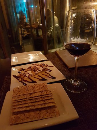 Northport, Estado de Nueva York: wine & brie