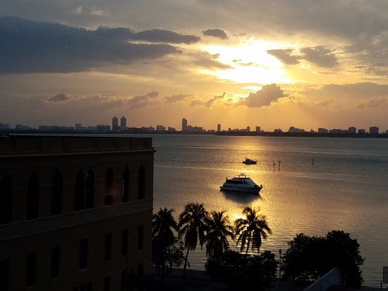 Doubletree by Hilton Grand Hotel Biscayne Bay: My morning view. Happy Mother's Day!