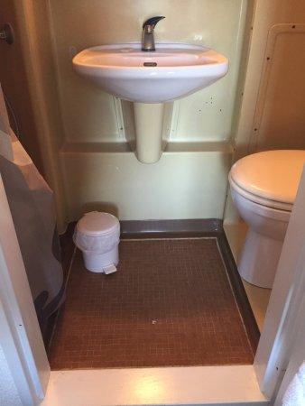 lavabo wc latest lave mains jacob delafon odeon up with lavabo wc meuble wc pour mettre sous. Black Bedroom Furniture Sets. Home Design Ideas