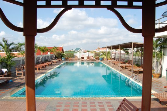 Rambuttri Village Inn & Plaza: swimming pool