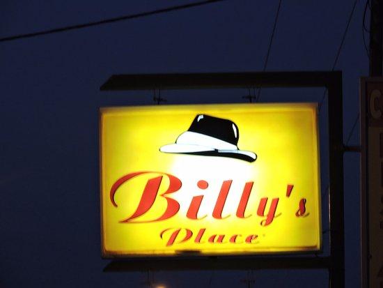 Billy's Place: L'enseigne lumuneuse