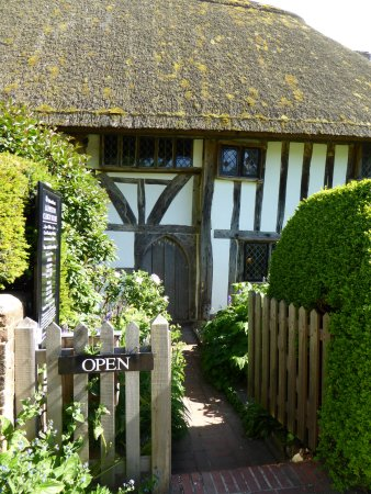 Alfriston, UK: The must-see National Trust property - gorgeous setting