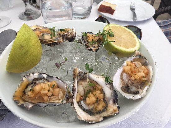 Clifton, Sør-Afrika: Oysters followed by tartar followed by grill platter