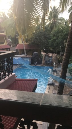 Seaview Resort: Beautiful poolside view from my room