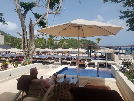 Cap Estate, Sta. Lucía: Private cabanas