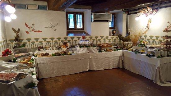 Pievescola, Italy: Breakfast