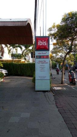 Ibis Bali Kuta: View from outside
