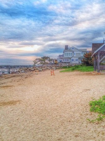 Stonington, CT: Dubois Beach, grab a sand chair, towel & book and walk to the beach!