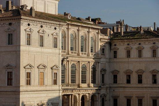 巴贝里尼宫