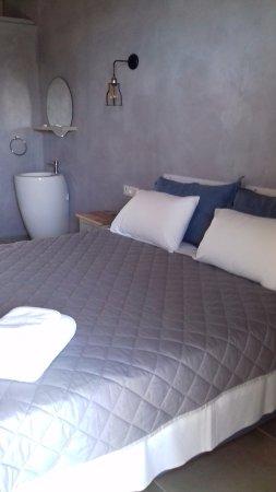 Lourdata, Grecia: King bed