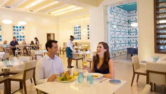 Cap Estate, Sta. Lucía: Calypso Restaurant