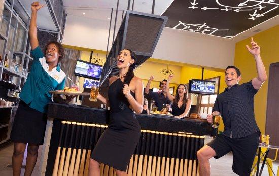 Cap Estate, سانت لوسيا: Score Sports Bar