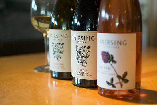 Yamhill, Oregón: Distinct estate-grown Fairsing Vineyard Rosé, Chardonnay and Pinot noir