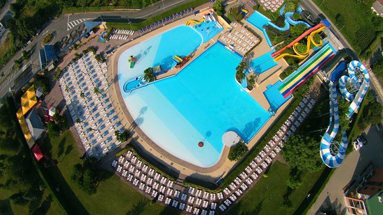 Rivoli, Italia: Acqua Joy -sky view