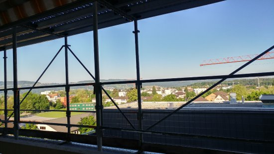 Hotel Illuster : the view from the room full of scaffolds