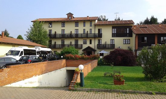 Scarmagno, Italy: vista dall'esterno