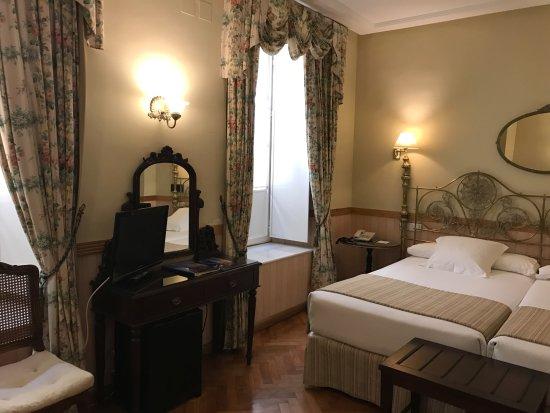 Hotel Dona Maria: Twin room 1st Floor