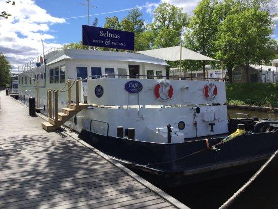 Selmas Cabin & Lounge