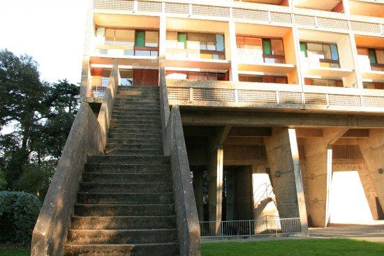 escalier ext rieur picture of la maison radieuse le corbusier reze tripadvisor. Black Bedroom Furniture Sets. Home Design Ideas