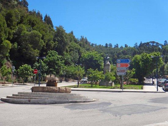 Alegre Hotel Bussaco: Town area