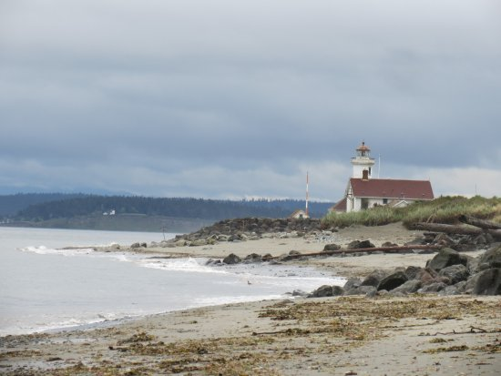 Fort Worden State Park: a view of Port Wilson Lighthouse