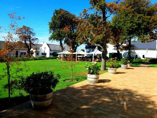 Constantia, Afrika Selatan: The main courtyard