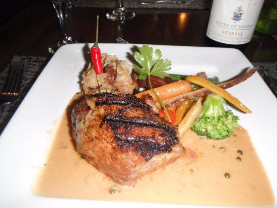Nominingue, Канада: Boeuf au surlonge dans sa sauce et ses légumes