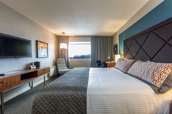 Hotel Universel Montreal : Prestige King, luxurious modern decor in total comfort with 1 King size pillow top beds, FREE WI