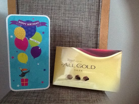 Premier Inn Glasgow City Centre (George Square) Hotel: Card and present from hotel staff