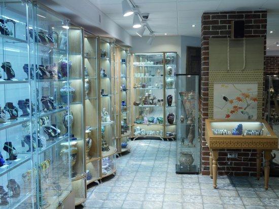 Akasa Gallery