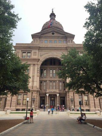 State Capitol: photo1.jpg